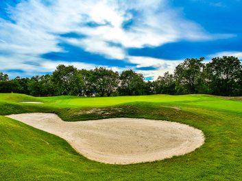 Playing Golf, Rioja Alta Course